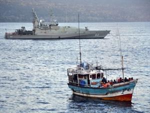 935211-navy-assists-asylum-seeker-boat